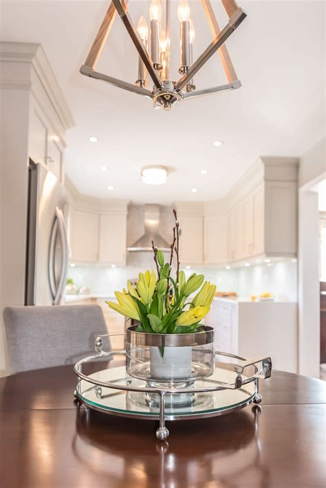 simple modern centerpiece   perfect accent