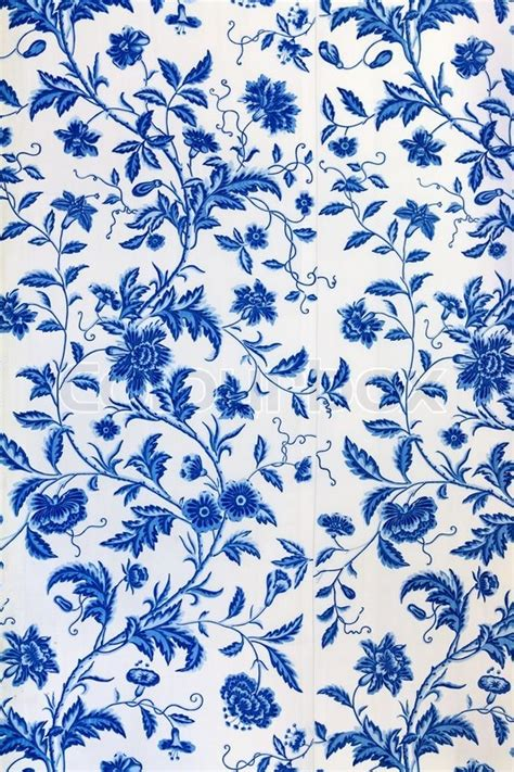 Tapete Muster Blau by Blue Floral Pattern On The Wallpaper Stock Photo Colourbox