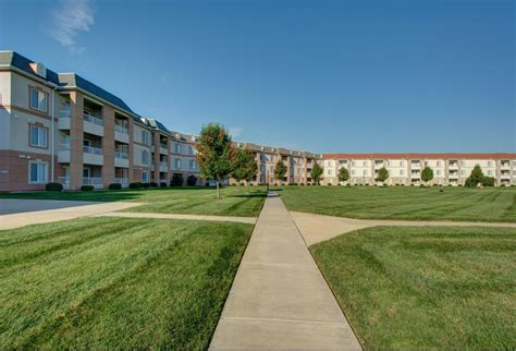 one bedroom apartments springfield mo baby boy beach