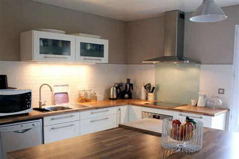 cuisine a et z decoration cuisine blanc bois