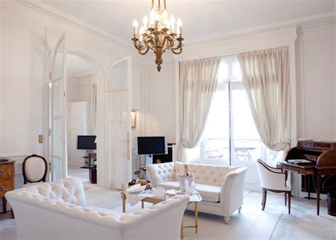 72 Living Rooms With White Furniture (sofas And Chairs. Bar Stools Kitchen. Vintage Kitchen Pictures. Kitchen Outfitters Acton. 36 Kitchen Hood. Citizens Kitchen Mandalay Bay. Able Kitchen. Kitchen Aid French Door Refrigerator. Interior Kitchen