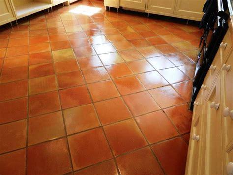Floor Design: Divine Home Interior Floor Decoration Using