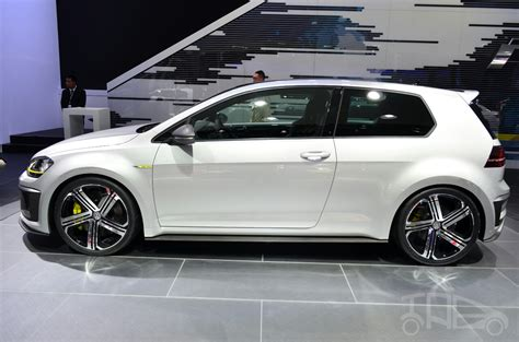 Volkswagen Golf R 400 Concept Side Indian Autos Blog