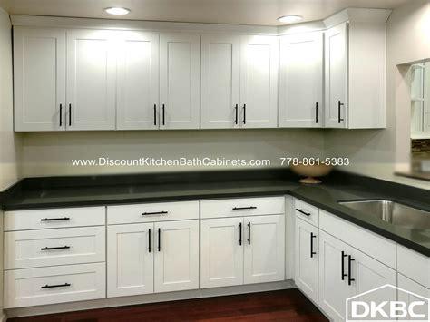 DKBC Swan White Shaker Maple G10 Kitchen Cabinets   DKBC
