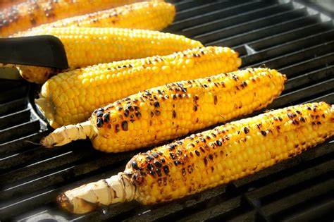corn on the grill savoir faire grilled corn on the cob