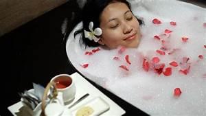 Erkältung Im Anmarsch : erk ltungsbad warme erk ltungsb der helfen bei einer erk ltung ~ Whattoseeinmadrid.com Haus und Dekorationen