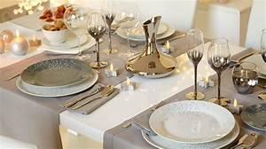 Faire Une Belle Table Pour Recevoir : no l d co de table pliage de serviettes recette ap ro sapin c t maison ~ Melissatoandfro.com Idées de Décoration