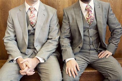 Love The Floral Print Tie Idea! Ruffled®