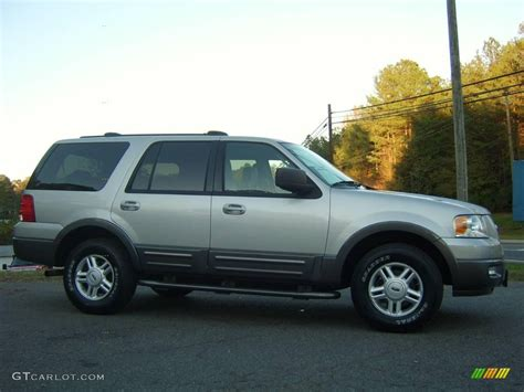 2004 ford expedition paint colors