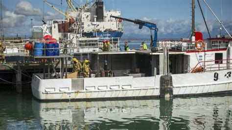 Fishing Boat Fire Nz by Fishing Vessel Evacuated At Port Nelson After Engine Room