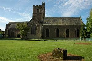 File:St Mary's Priory Church, Abergavenny - geograph.org ...