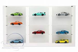 Vitrine Für Modellautos 1 43 : hochwertige vitrine aus holz f r 12 modellautos wei porsche wax05020616 ~ Markanthonyermac.com Haus und Dekorationen