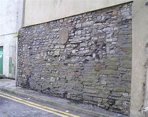 Cardiff town walls