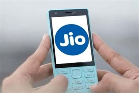 reliance jio rs 500 4g feature phone could be priced more specs leaked the financial
