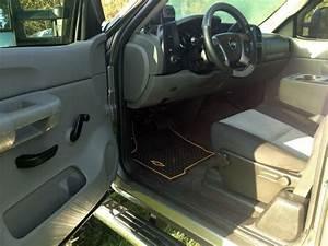 Buy Used Lifted 2007 Chevy Silverado 2500 Hd 6 0 2x4 Camo Carbon Fiber Wrap In Ovid  Michigan