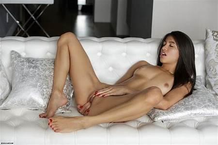 Teens Of Nude Art
