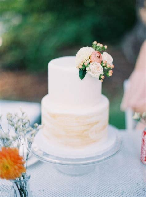 simple  tier wedding cake