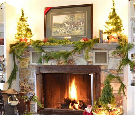 Ideas Feasible Christmas Themed Fireplace Mantel