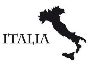 wohnzimmer schwarz wandtattoo italien