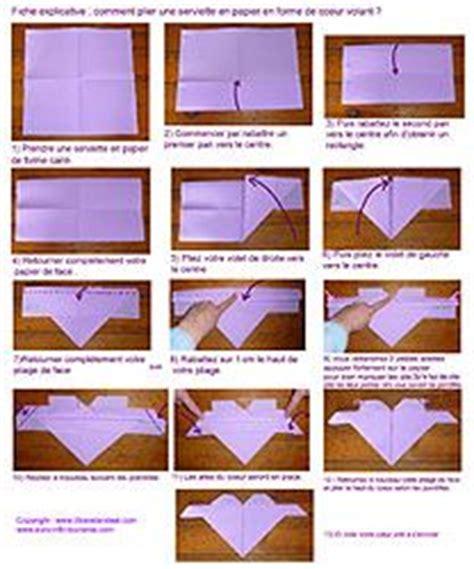 plier des serviettes de table pliage de serviette en papier plier une serviette en forme de croissant pliage en papier d un