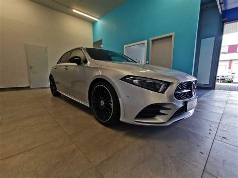 It has gcc specs and seats 5 people. Nouvelle Mercedes-Benz A250 AMG   03/2019 / 13882 km / Essence / 224 ch   Premium Import