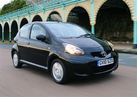 small cars black aygo black is back toyota