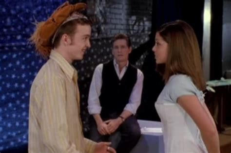 aaron paul snl youtube aaron paul on 90210 the hollywood gossip