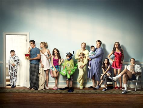 modern family modern family ew photoshoot modern family fan 17014574 fanpop