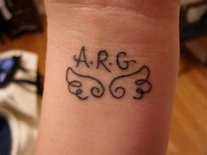 cute simple wrist tattoos tattoos pictures Quotes