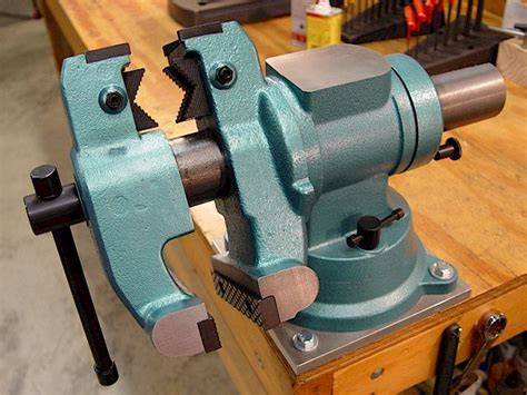 mounting  bench vise plans diy