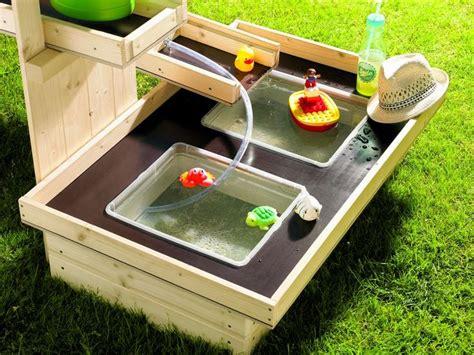 fensterläden mit lamellen selber bauen toom kreativwerkstatt wasserspielplatz quot pitsch patsch quot outdoor spielzeug ideen