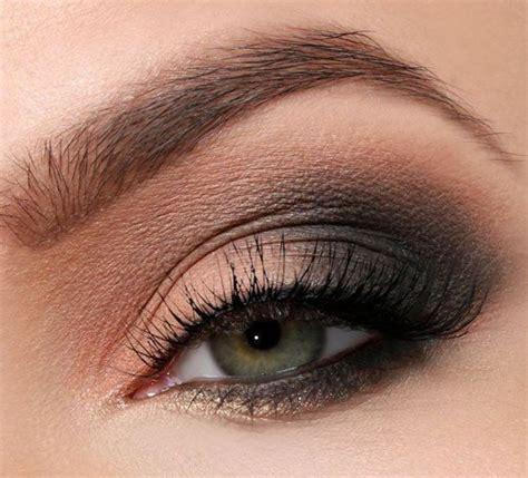 Нежный макияж для карих глаз .
