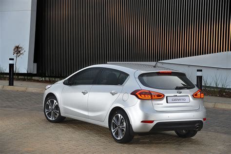 The car is manufactured by the south korean company kia motors. Kia Cerato Hatchback - Specs And Prices For SA - Cars.co.za