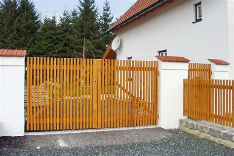 Tor Für Einfahrt by Tor Einfahrt Holz Fkh