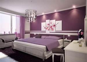 Lila Im Schlafzimmer : schlafzimmer in lila verzaubert mit geheimnisvollem charme ~ Markanthonyermac.com Haus und Dekorationen