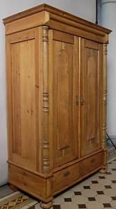 Kleiner Begehbarer Kleiderschrank : kleiner gr nderzeit kleiderschrank aus eiche mit massiven s ulen antik kolosseum nr ~ Sanjose-hotels-ca.com Haus und Dekorationen