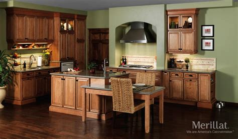 toffee colored kitchen cabinets merillat classic 174 labelle in maple toffee with java glaze 6273