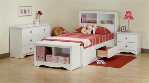 lit avec bureau pour fille tête de lit avec rangement gain de place et décoration
