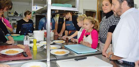 cours de cuisine pour enfants denis le vêtu cours de cuisine pour parents et enfants
