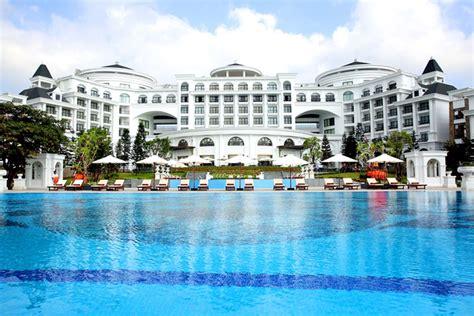 Vinpearl Ha Long Bay Resort Vietnam & Indochina Tours. Casa Ambica Hotel. Marina Sol Resort. Regal Palms Resort & Spa. Hotel The Residency. Amberton Klaipeda Hotel. Best Western Majestic Plaza Hotel. Amaya Lake Hotel. Sanatorium Villa Arnest Hotel