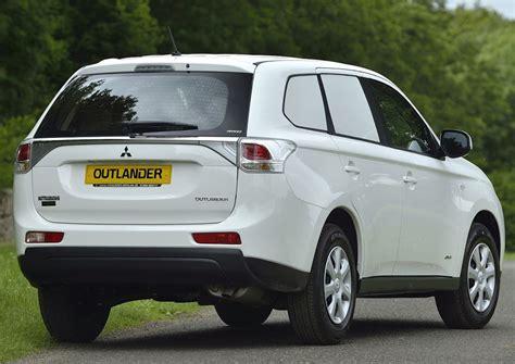 Mitsubishi Outlander Commercial Retains Best 4x4 Van Of
