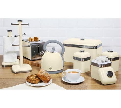 Buy Swan Retro Sk261020cn Traditional Kettle Cream