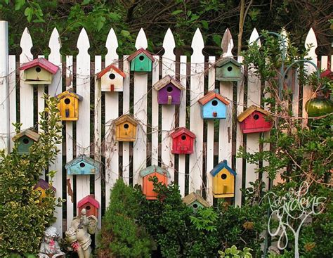 Backyard Fence Decor 15 who took their backyard fences to another level