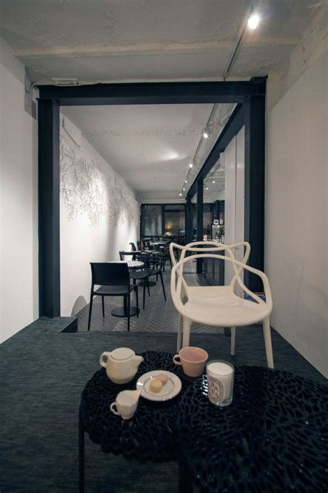 cafe  china  black  white interior design