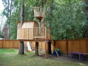 Wooden Backyard Fort Ideas