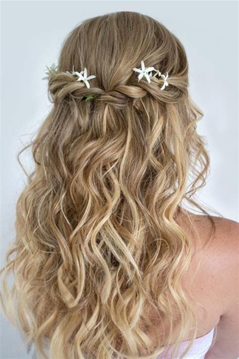 Bridesmaid Hairstyles For Hair Half Up by 24 Chic Half Up Half Bridesmaid Hairstyles