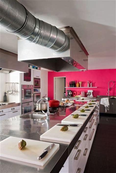 mur cuisine framboise déco 7 cuisines pour voir la vie en côté maison