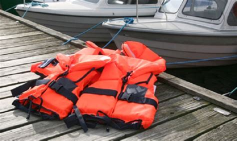 Boat Safety Jackets by 7 Important Boating Safety Tips To Help Keep You Safe On