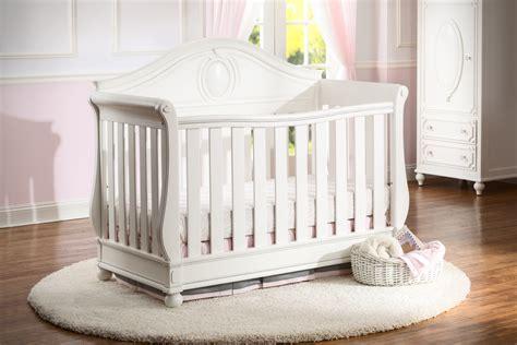 disney princess crib magical dreams 4 in 1 crib from delta featuring disney