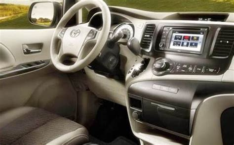 toyota land cruiser engine  price cars review